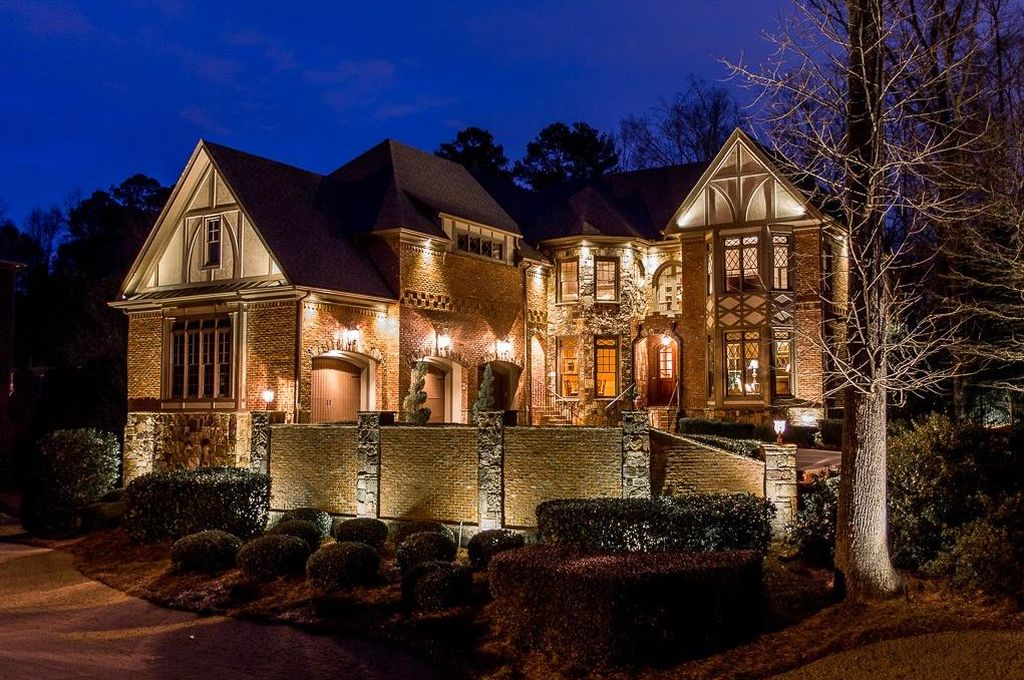 2800 Manor Bridge Dr, Alpharetta, GA 30004 -  $1,079,000