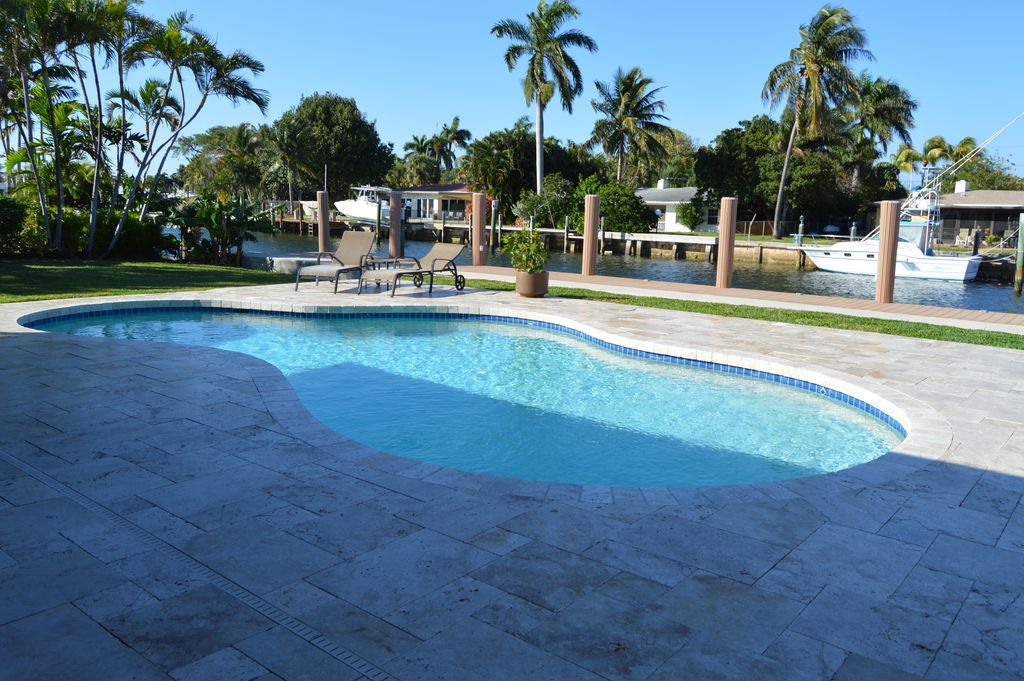 3205 Beacon St, Pompano Beach, FL 33062 -  $1,159,000 home for sale, house images, photos and pics gallery