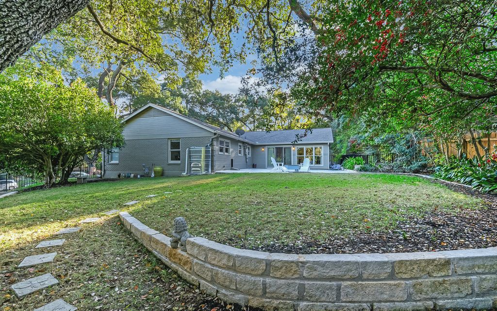 3304 Live Oak Cir, Austin, TX 78731 -  $1,165,000 home for sale, house images, photos and pics gallery