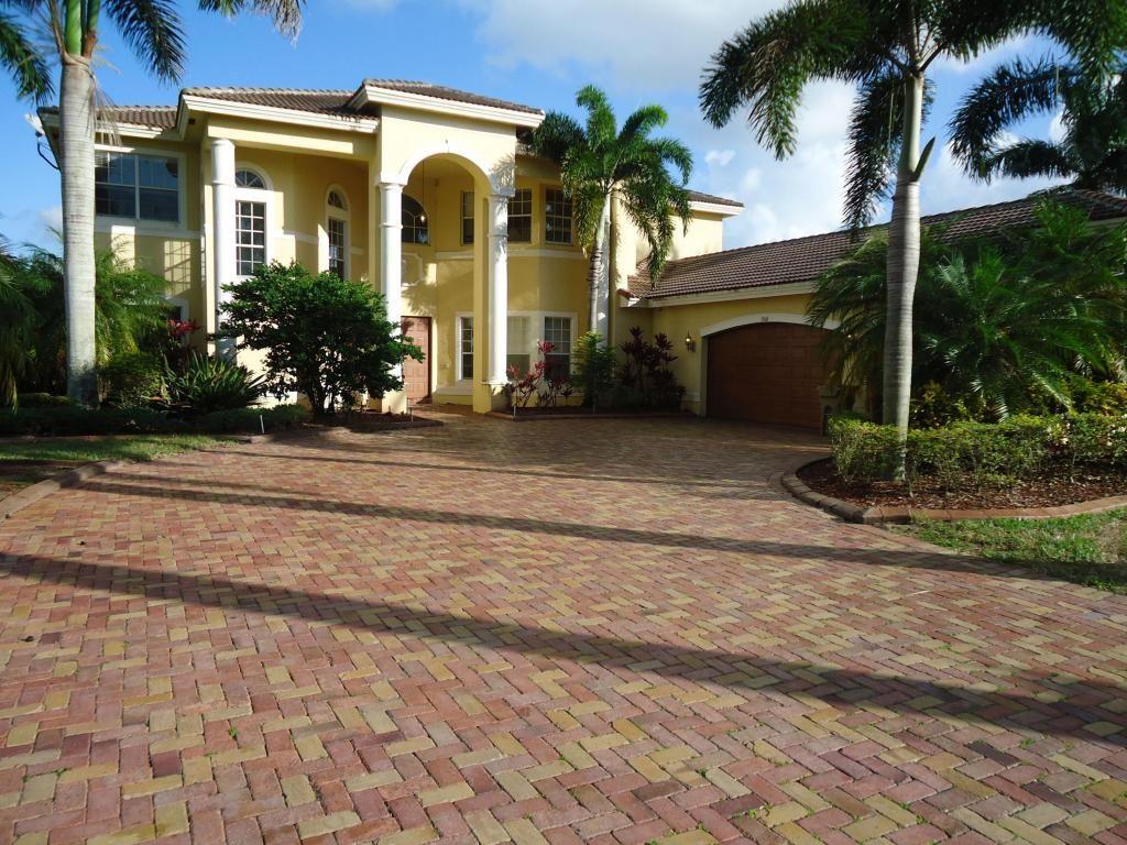 3560 Birch Ter, Davie, FL 33330 -  $1,040,000