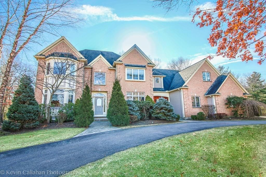 38 Russet Hill Rd, Franklin, MA 02038 -  $1,099,000