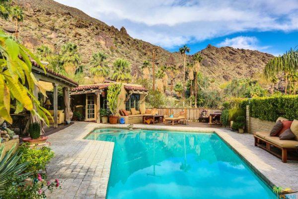 380 W Crestview Dr, Palm Springs, CA 92264 -  $1,095,000