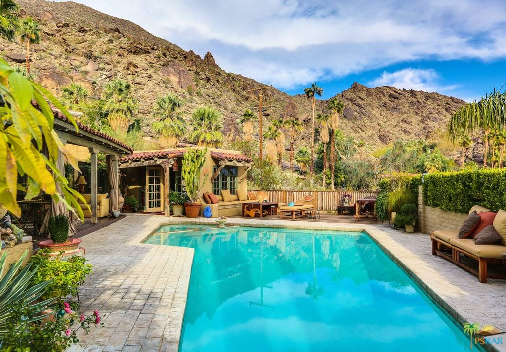380 W Crestview Dr, Palm Springs, CA 92264 -  $1,095,000
