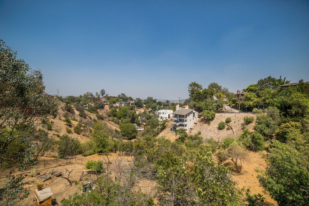 4006 San Rafael Ave, Los Angeles, CA 90065 -  $1,195,000 home for sale, house images, photos and pics gallery