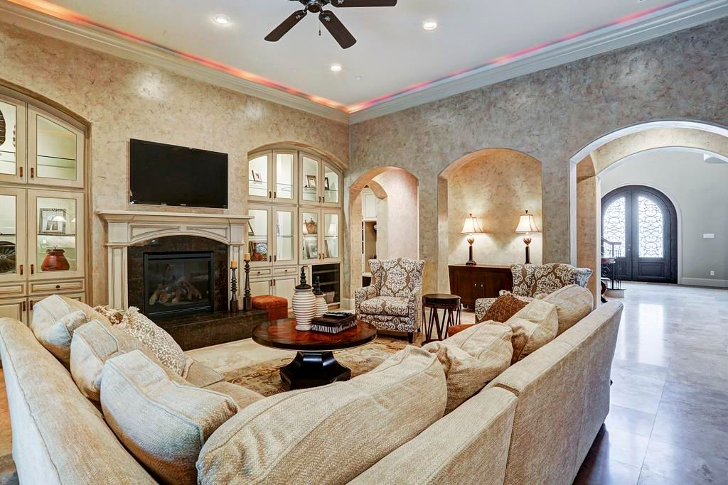 4621 Valerie St, Bellaire, TX 77401 -  $1,149,000 home for sale, house images, photos and pics gallery