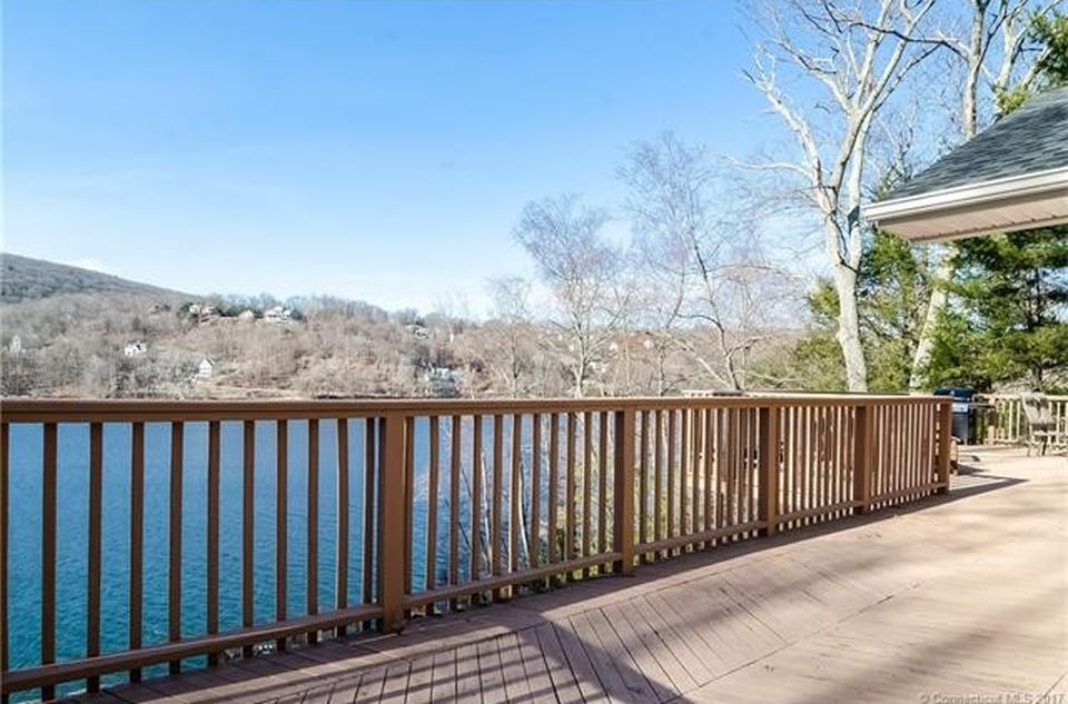 5 Edgewood Dr, New Milford, CT 06776 -  $1,095,000 home for sale, house images, photos and pics gallery