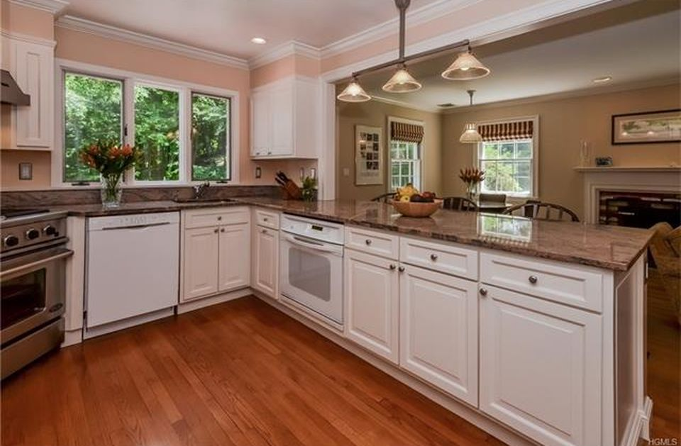 5 Hoffman Rd, Mount Kisco, NY 10549 -  $1,159,000 home for sale, house images, photos and pics gallery