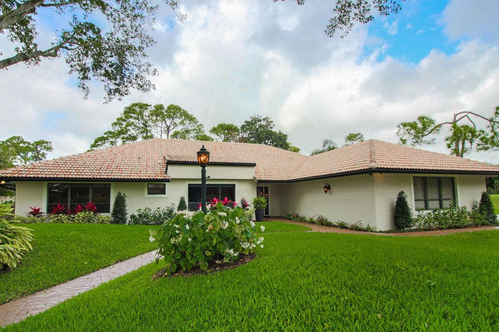 5200 Estates Dr, Delray Beach, FL 33445 -  $1,095,000
