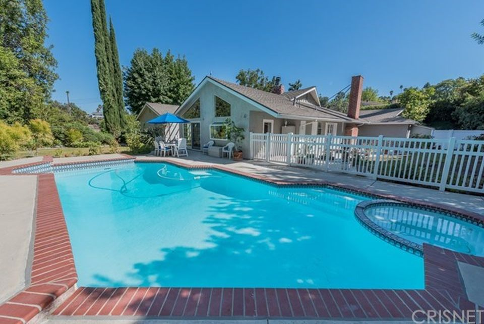 5247 Armida Dr, Woodland Hills, CA 91364 -  $1,100,000 home for sale, house images, photos and pics gallery