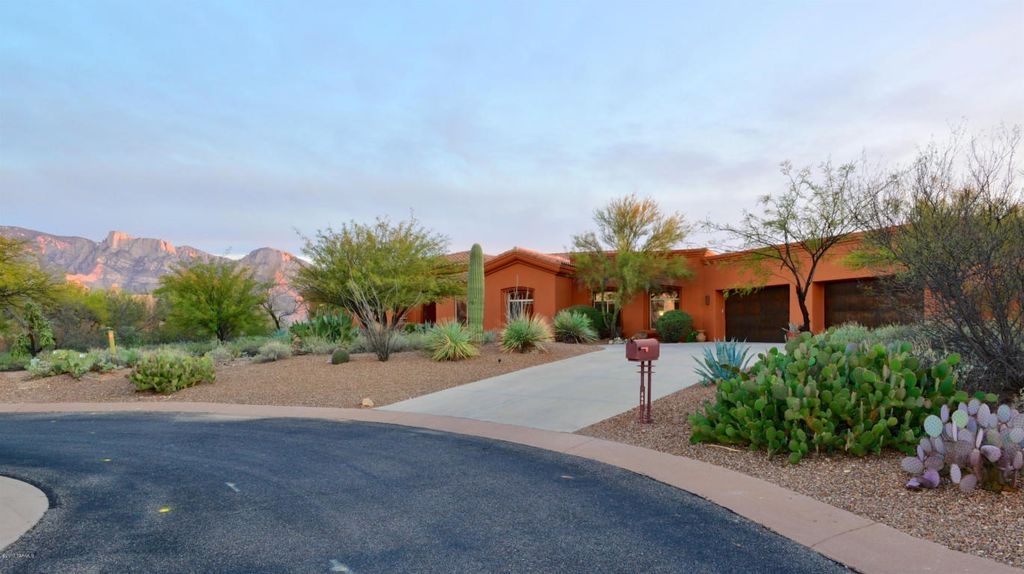 545 W Red Mountain Pl, Oro Valley, AZ 85755 -  $1,149,000 home for sale, house images, photos and pics gallery
