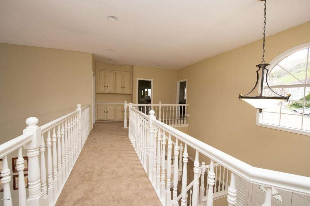 5725 Carell Ave, Agoura Hills, CA 91301 -  $1,150,000 home for sale, house images, photos and pics gallery