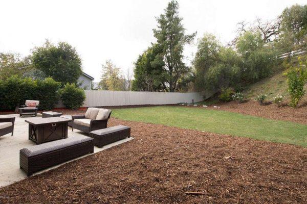 5725 Carell Ave, Agoura Hills, CA 91301 -  $1,150,000