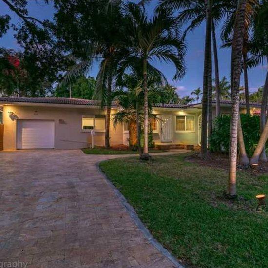 611 NE 53rd St, Miami, FL 33137 -  $1,040,000