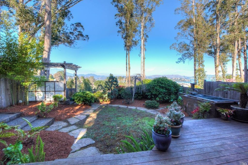 62 Lincoln Dr, Sausalito, CA 94965 -  $1,230,000 home for sale, house images, photos and pics gallery
