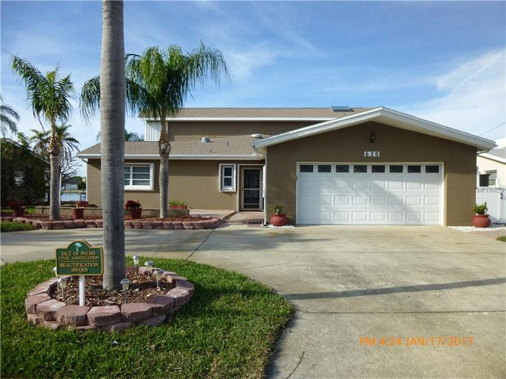 620 115th Ave, Treasure Island, FL 33706 -  $1,100,000 home for sale, house images, photos and pics gallery
