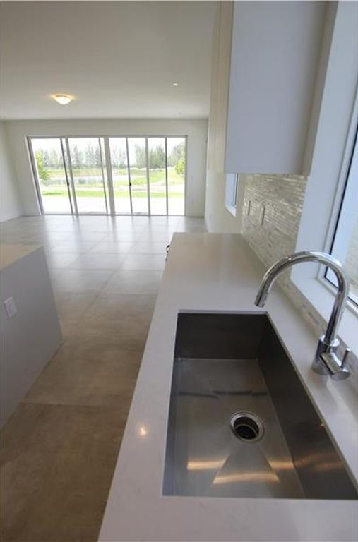 7551 NW 97th Ct, Doral, FL 33178 -  $1,180,000 home for sale, house images, photos and pics gallery