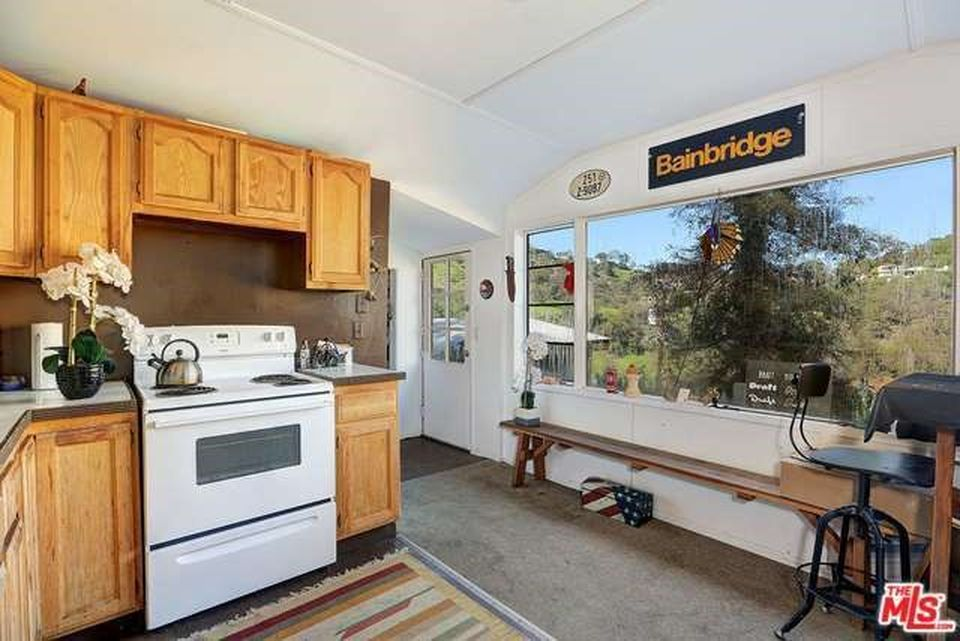 8210 Gould Ave, Los Angeles, CA 90046 -  $1,085,000 home for sale, house images, photos and pics gallery