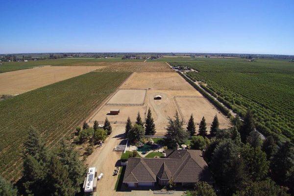 8300 E Peltier Rd, Acampo, CA 95220 -  $1,049,000