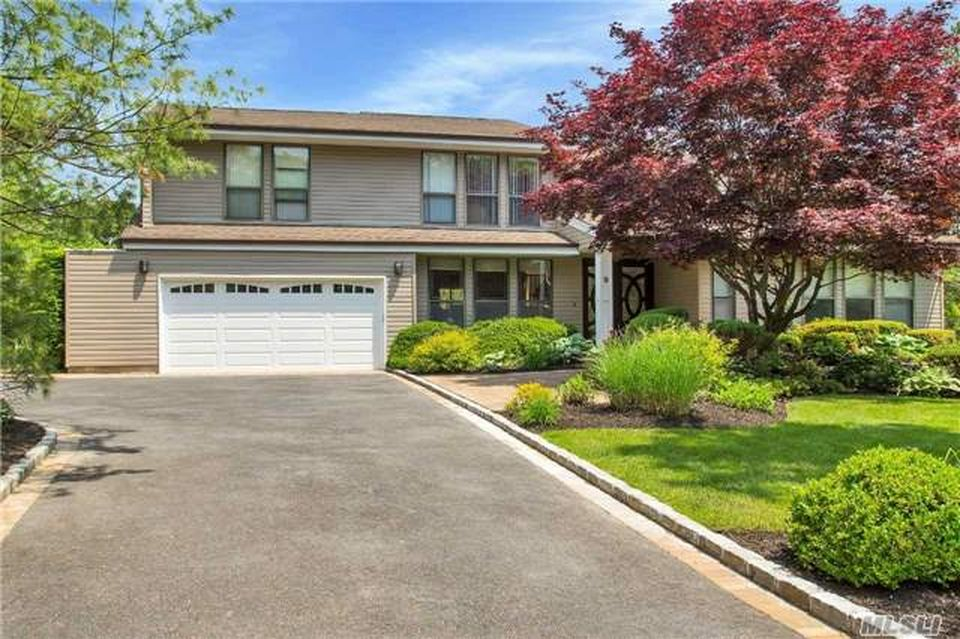 9 Hill And Tree Ct, Melville, NY 11747 -  $1,140,000