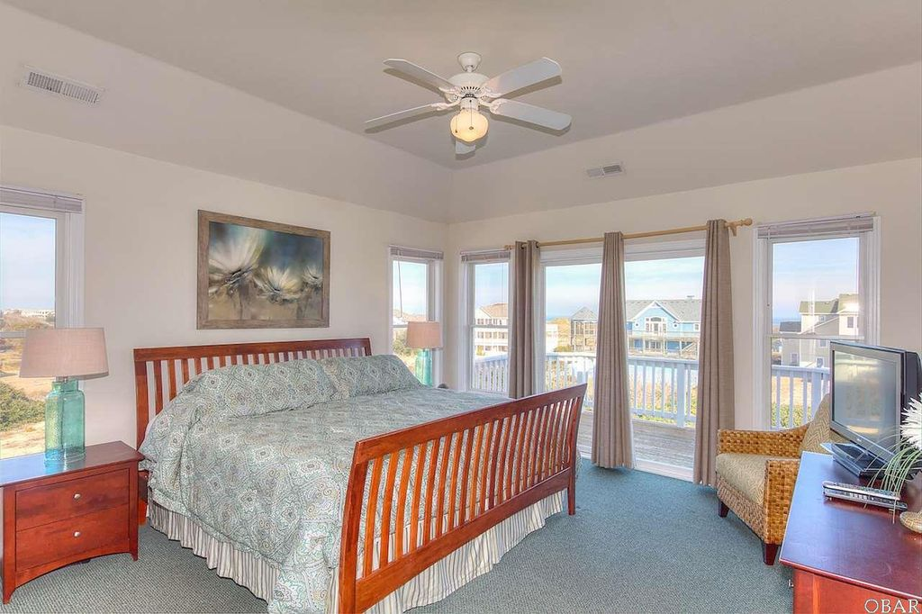 901 Whalehead Dr, Corolla, NC 27927 -  $1,099,000 home for sale, house images, photos and pics gallery