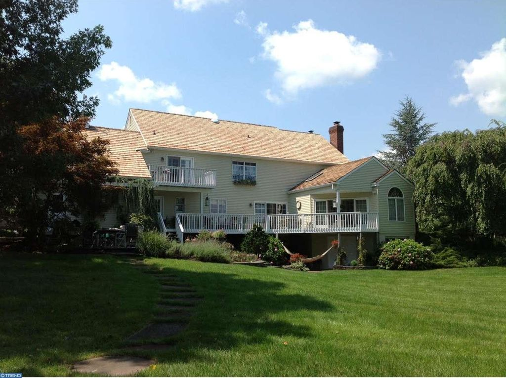 10 Spring Oak Dr, Newtown, PA 18940 -  $1,095,000 home for sale, house images, photos and pics gallery