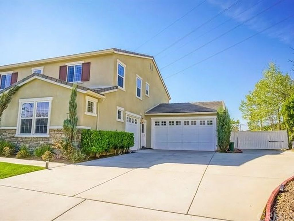 10561 Horse Creek Ave, Shadow Hills, CA 91040 -  $1,075,000 home for sale, house images, photos and pics gallery