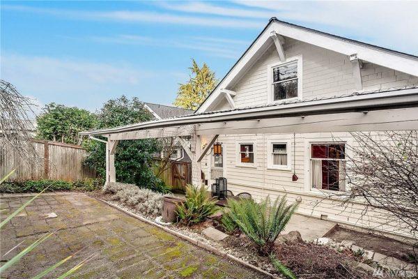 1119 18th Ave E, Seattle, WA 98112 -  $1,128,000