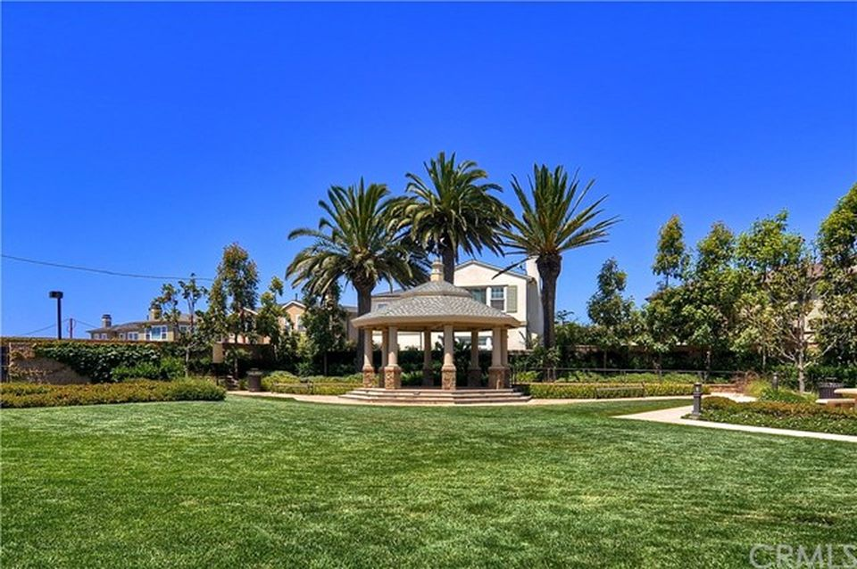 17281 Osterville Ln, Huntington Beach, CA 92649 -  $1,174,000 home for sale, house images, photos and pics gallery