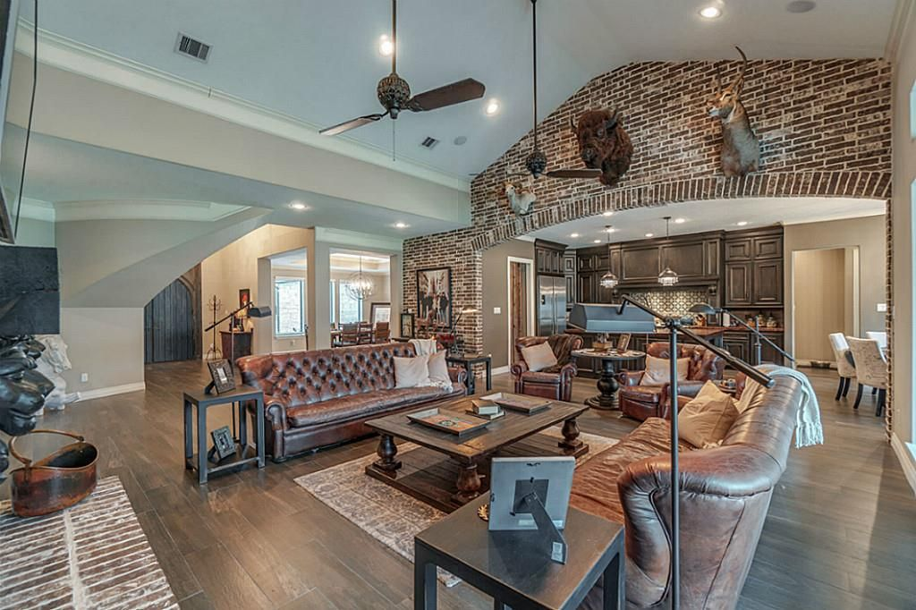 2 Majestic Falls Dr, Kingwood, TX 77339 -  $1,140,000 home for sale, house images, photos and pics gallery