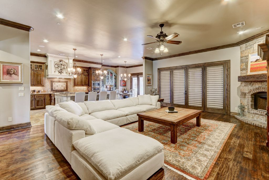 2209 Lone Oak Way, Edmond, OK 73034 -  $1,200,000 home for sale, house images, photos and pics gallery