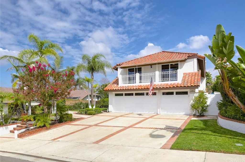 27361 Capricho, Mission Viejo, CA 92692 -  $1,149,000 home for sale, house images, photos and pics gallery