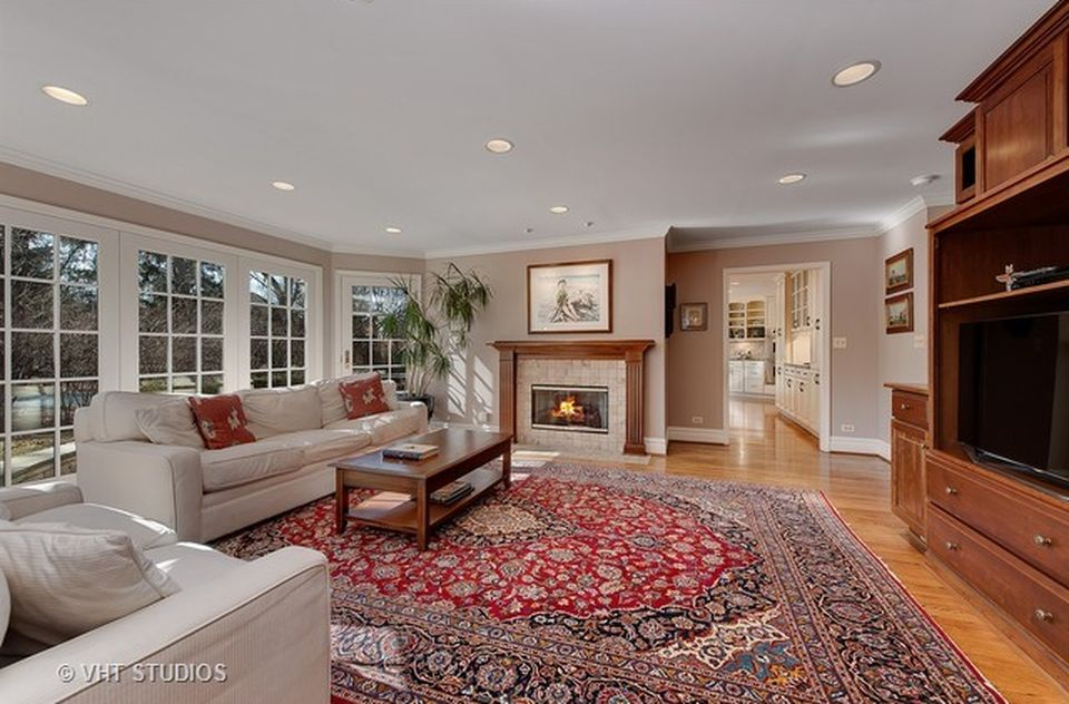3001 Iroquois Rd, Wilmette, IL 60091 -  $1,075,000 home for sale, house images, photos and pics gallery