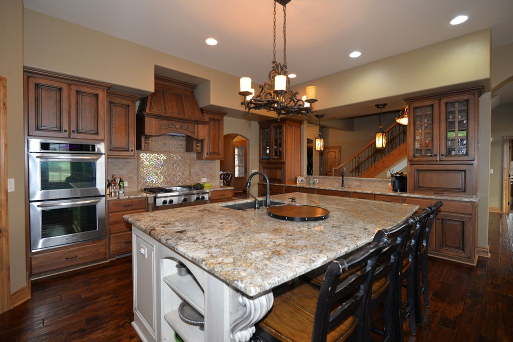 3375 W 198th St, Stilwell, KS 66085 -  $1,100,000 home for sale, house images, photos and pics gallery
