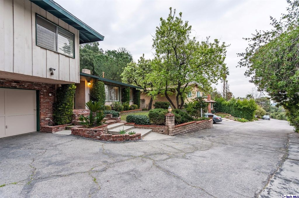 5271 Gould Ave, La Canada Flintridge, CA 91011 -  $1,185,000 home for sale, house images, photos and pics gallery