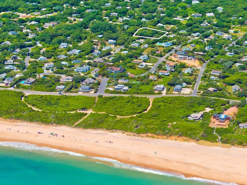 60 Bryan Rd, Montauk, NY 11954 -  $1,100,000 home for sale, house images, photos and pics gallery