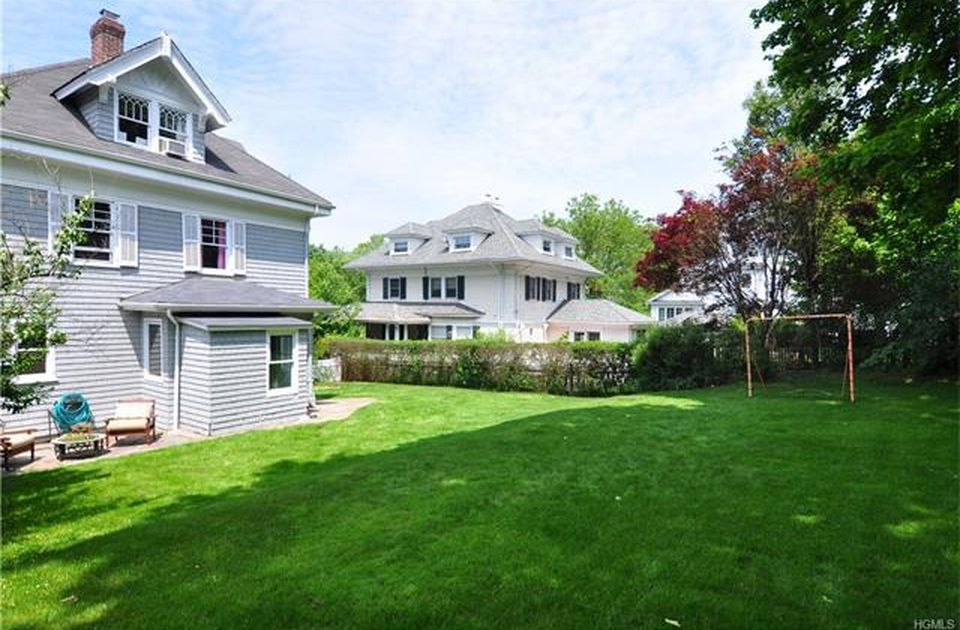 666 James St, Pelham, NY 10803 -  $1,139,000 home for sale, house images, photos and pics gallery