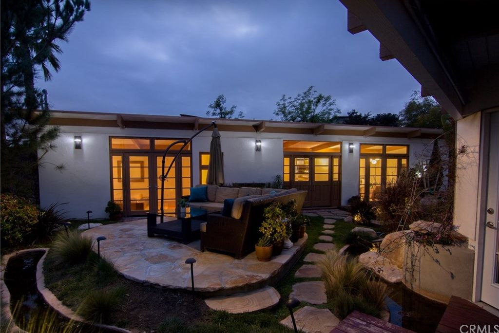 7107 Pacific View Dr, Los Angeles, CA 90068 -  $1,195,000