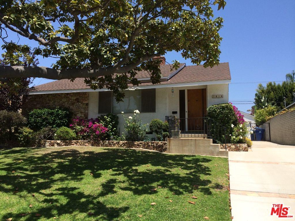 7916 Dunbarton Ave, Los Angeles, CA 90045 -  $1,089,000