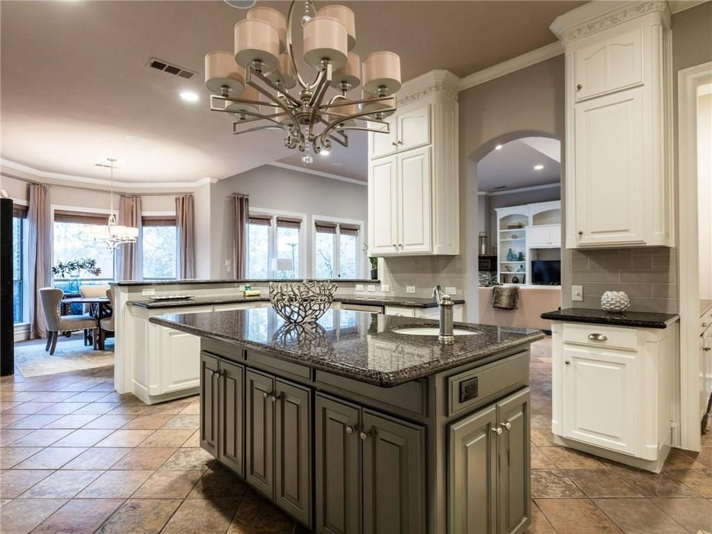 905 Suffolk Ct, Southlake, TX 76092 -  $1,076,000 home for sale, house images, photos and pics gallery