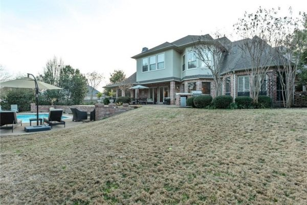 905 Suffolk Ct, Southlake, TX 76092 -  $1,076,000