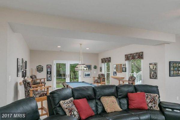 10304 Kingsway Ct, Ellicott City, MD 21042 -  $1,099,000