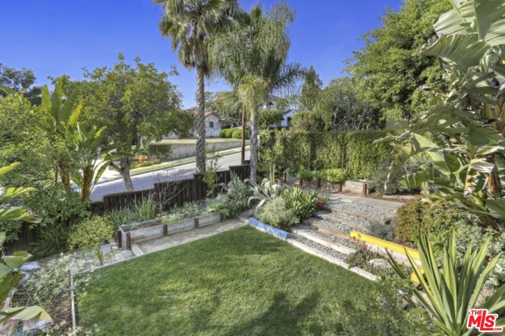 1540 N Benton Way, Los Angeles, CA 90026 -  $1,079,000 home for sale, house images, photos and pics gallery