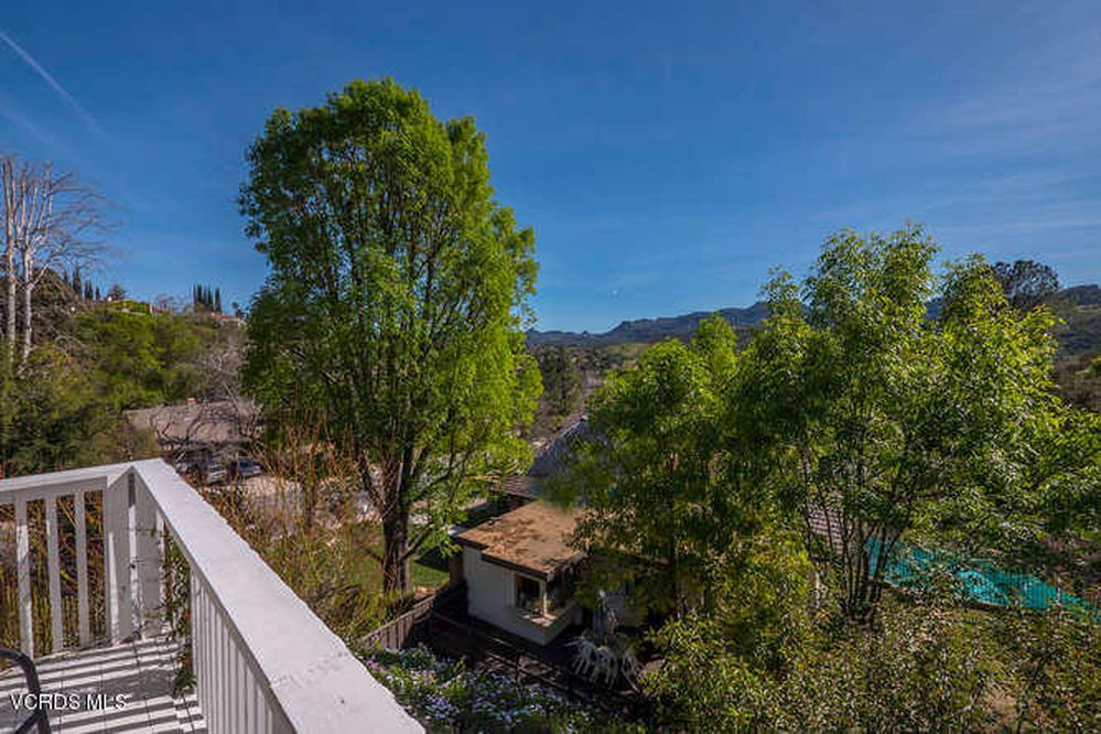 1674 Hawksway Ct, Westlake Village, CA 91361 -  $1,070,000 home for sale, house images, photos and pics gallery