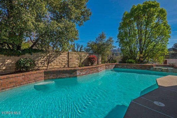 1674 Hawksway Ct, Westlake Village, CA 91361 -  $1,070,000