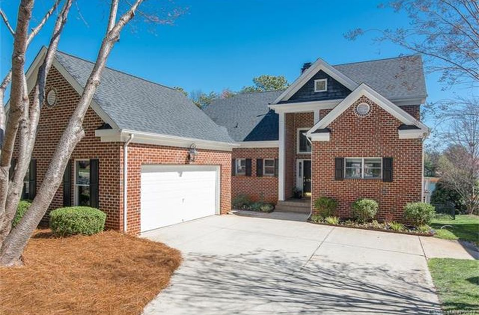 17601 Springwinds Dr, Cornelius, NC 28031 -  $1,050,000 home for sale, house images, photos and pics gallery