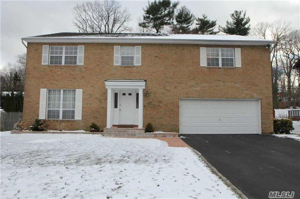 22 Oak Point Dr S, Bayville, NY 11709 -  $1,100,000