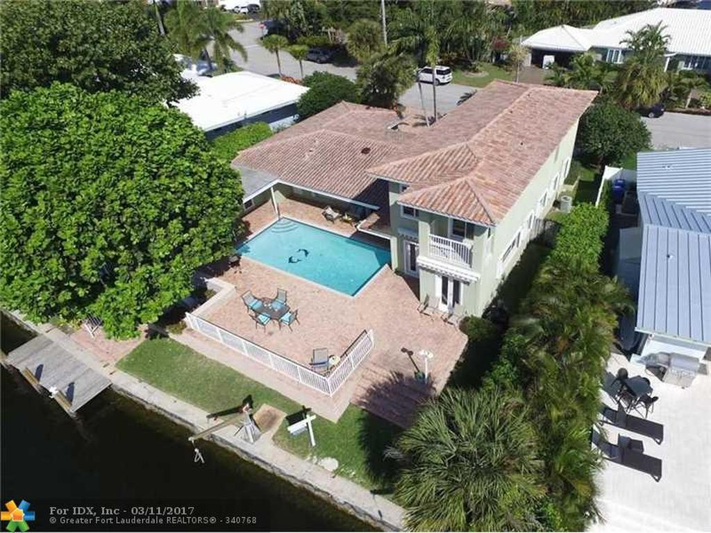 2238 NE 20th St, Fort Lauderdale, FL 33305 -  $1,100,000