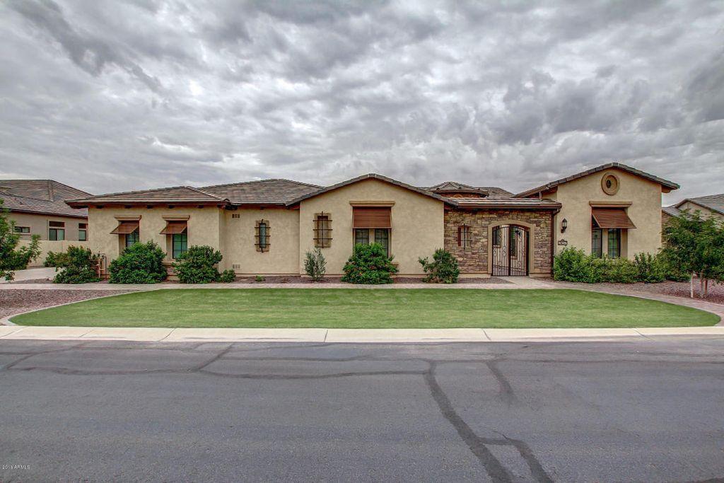 2457 E Amber Ct, Gilbert, AZ 85296 -  $1,075,000
