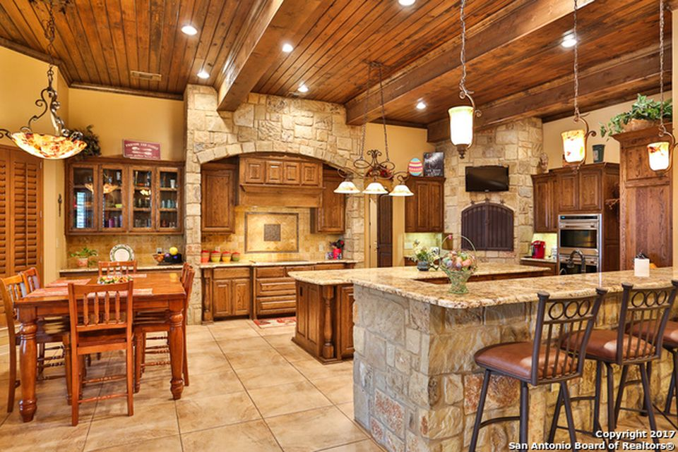 30804 Wood Bine Way, Fair Oaks Ranch, TX 78015 -  $1,089,995 home for sale, house images, photos and pics gallery