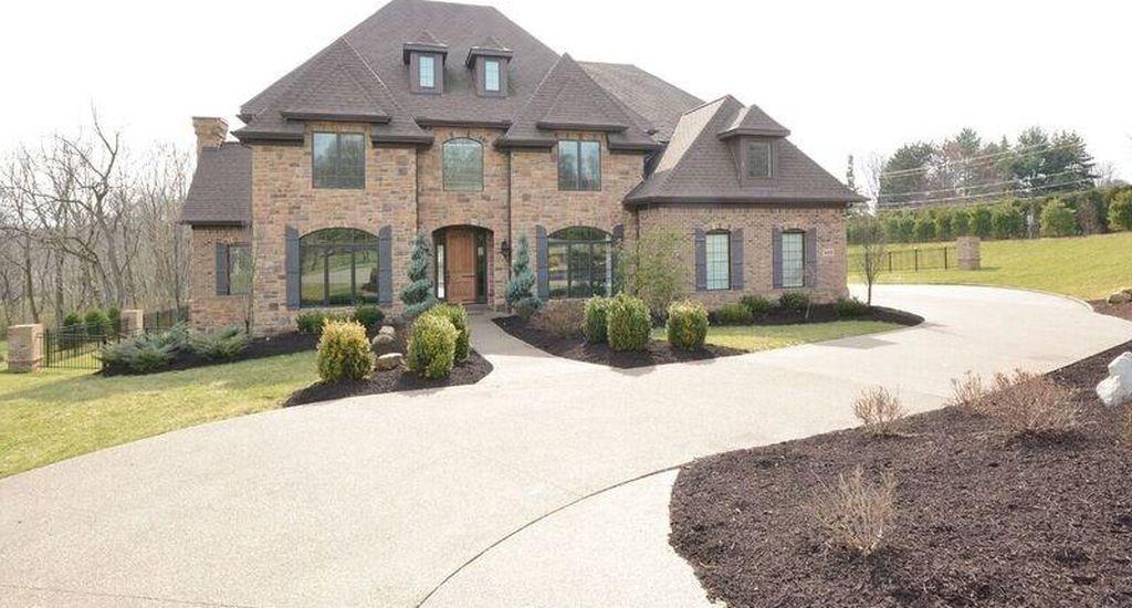 402 Langdon Dr, Gibsonia, PA 15044 -  $1,069,000